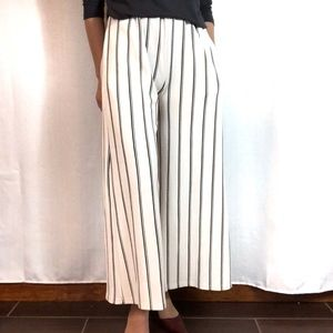 Pants - Pocketed White and Black Wide Leg Pants